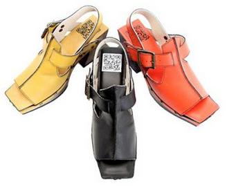 QR en los zapatos...