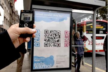 QR en parada de autobus
